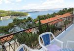 Location vacances Split-Dalmatia - 2 Bedroom Ap., Sea View & Sandy Beach!-2