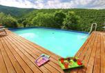 Location vacances  Province d'Arezzo - Luxurious Farmhouse in Cortona with Pool-1