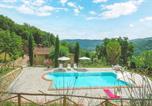 Location vacances Ortignano Raggiolo - Amazing home in Ortignano Raggiolo with Outdoor swimming pool, Wifi and 6 Bedrooms-2