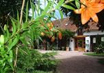 Location vacances Montaigu-le-Blin - Chambres d'Hôtes des Caissons-2