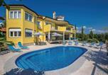 Location vacances Kostrena - Five-Bedroom Holiday Home in Kostrena-1