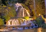 Location vacances Roanoke - Tentrr Signature Site - Top of the Rock at Beaverdam Falls-1