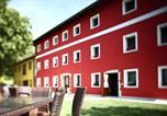 Location vacances  Province de Pordenone - Farm stay Al Pisoler-1