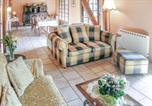 Location vacances  Corrèze - Four-Bedroom Holiday Home in Tarnac-2