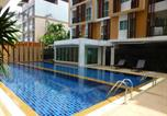 Location vacances Vientiane - 1 Double bedroom Apartment with Swimming pool security and high speed Wifi-1