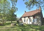 Location vacances Cercy-la-Tour - Cozy Holiday Home in Decize near Forest-1