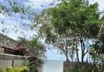 Hôtel Bang Sare - Tamnak Beach House-1