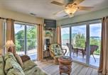 Location vacances Port Clinton - Waterfront Bass Island Retreat with Balcony and Tv-1