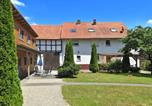 Location vacances Bad Zwesten - Charming Apartment in Huddingen with Garden-2