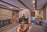 Location vacances Fontana - Cozy, Pet-Friendly Mtn Cabin about 1 Mi to Lake Gregory-1