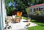Location vacances Hellevoetsluis - Charming Chalet in Goedereede with Open Area-3