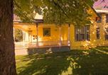 Location vacances Coeur d'Alene - Maple Leaf Manor Furnished Apartments-1