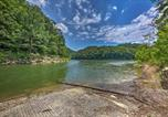 Location vacances Crossville - Getaway on Center Hill Lake with Decks and Water Views-3
