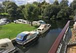 Location vacances Sandy - Waterfront House In The Heart Of St Neots-3
