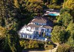 Location vacances  Province de Novare - Meina Villa Sleeps 13 Pool Air Con Wifi-1