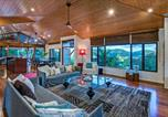 Location vacances Blacks Beach - Iluka Luxury House With Ocean Views On Half Acre With Pool And Two Golf Buggies-4
