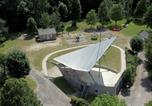 Camping avec Piscine couverte / chauffée Puy de Dôme - Camping Le Moulin de Serre-2