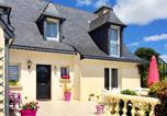 Location vacances Saint-Donan - Peaceful house with flower garden-1