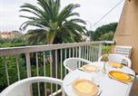 Location vacances La Croix-Valmer - Apartment Les Hesperides-1