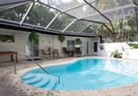 Location vacances Homestead - Private suite in magic cottage near Cruise Station-3
