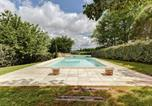 Location vacances  Tarn-et-Garonne - Modern Holiday Home in Dunes with Swimming Pool-1