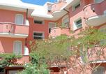 Location vacances  Province de Ferrare - Inviting Apartment in Lido Degli Estensi with Garden-3