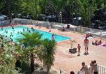 Camping avec Piscine Gard - Camping Les Fauvettes-1
