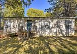 Location vacances Medford - Updated Home on half Acre with Dock on Agency Lake!-3