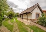 Location vacances Velence - Lovely Cottage Home-2