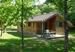 Location vacances  Jura - Les Lodges du Herisson-3