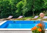 Location vacances Varaždinska - Three-Bedroom Holiday Home in Ludbreg-1