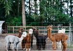 Location vacances Monroe - Tentrr - Cascade Rose Alpaca Farm Stay-3