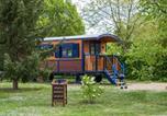 Village vacances Pays de la Loire - La Roulotte du Domaine de Meigné-2