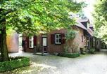 Location vacances Nijmegen - Sprawling Farmhouse in Mill with Fenced Garden-4