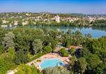 Camping 4 étoiles Remoulins - Camping du Pont d'Avignon-1