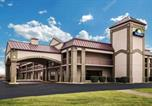 Hôtel Clarksville - Days Inn by Wyndham Oak Grove/Ft. Campbell-1