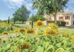 Location vacances Valprionde - Three-Bedroom Holiday Home in Montlauzun-4