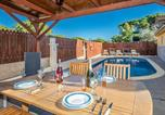 Location vacances Sant Andreu Salou - Nice home in Vidreres w/ Outdoor swimming pool, Wifi and 4 Bedrooms-4