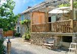 Location vacances  Aveyron - Holiday Home La Lavagne-2