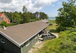 Location vacances Snogebæk - Four-Bedroom Holiday home in Nexø 12-1