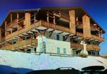 Location vacances Mont-de-Lans - Les Chalets d'Or-1