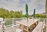Location vacances Mystic - Family-Friendly Beach Retreat, Walk to Shore!-2