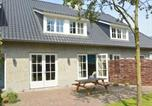 Location vacances Sint-Oedenrode - Magnificent Holiday Home in Haaren with Terrace-1