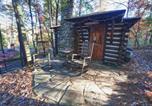 Hôtel Asheville - Log Cabin Motor Court-1