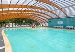 Camping avec Piscine couverte / chauffée Biscarrosse - To sur Camping Lou Broustaricq -4
