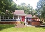 Location vacances Luray - Christophers Riverside Cabin-4