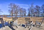 Location vacances Carthage - Upscale Lake House with Private Dock and Hot Tub-2