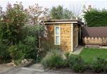 Location vacances Chestfield - Garden cabin with sauna-1