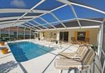 Location vacances Inverness - Golfers Escape Pool Villa Moesbergen home-1