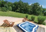 Location vacances Ribnik - Three-Bedroom Holiday Home in Krasic-3